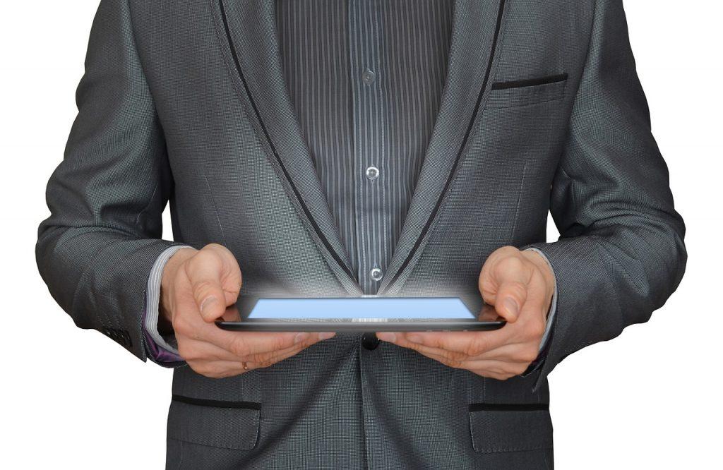 l'homme, homme d'affaires, tablette tactile